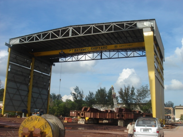 10 Tonne sheltered crane built for PT Batamec by BD CraneTech